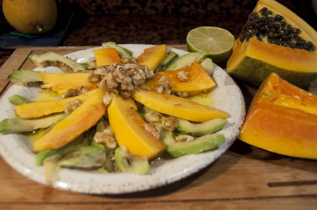 Receta de ensalada de aguacate y papaya
